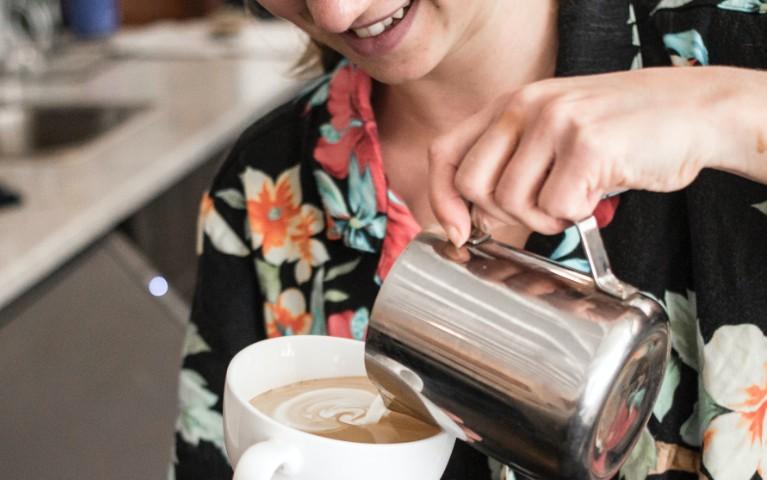 latte artist barista esperto